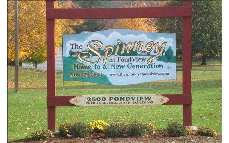 Spinney at Pond View sign