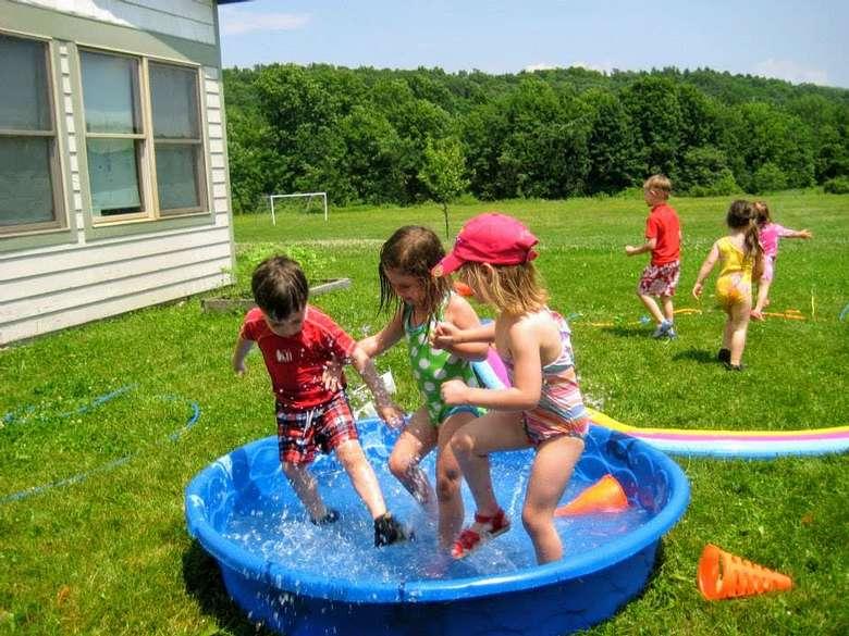 kids in kiddie pool
