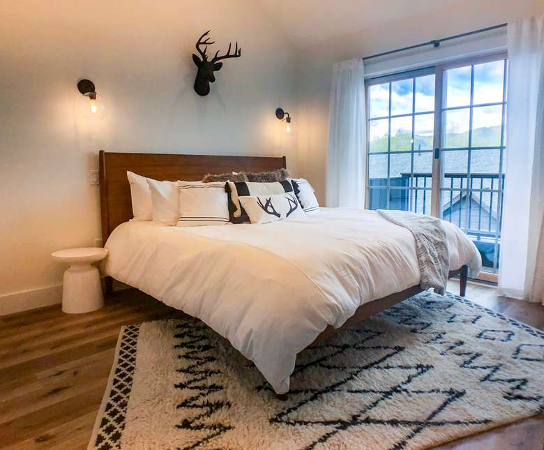 bedroom with a king-sized bed