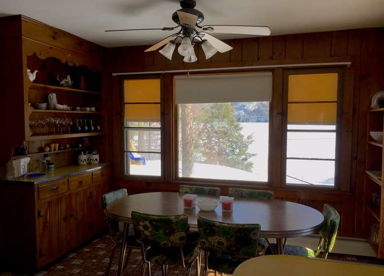dining room with an oval table and chairs