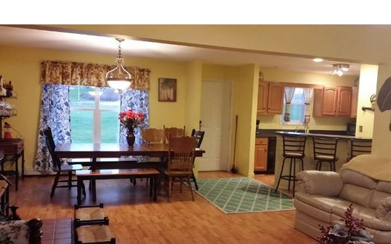 Ranch dining room area