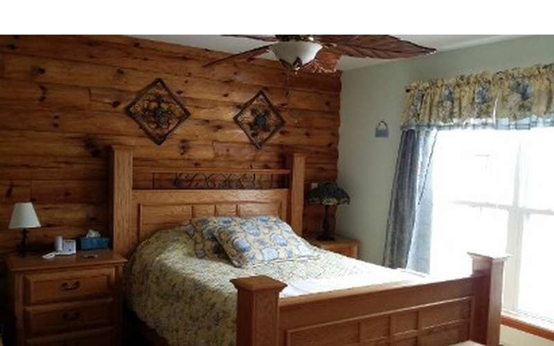 Year-Round Vacation Rentals on Lake George: Chalet & Ranch