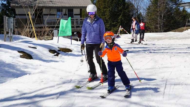 people on skis