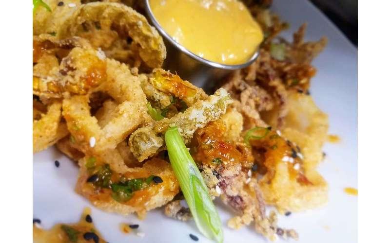 fried calamari and sauce