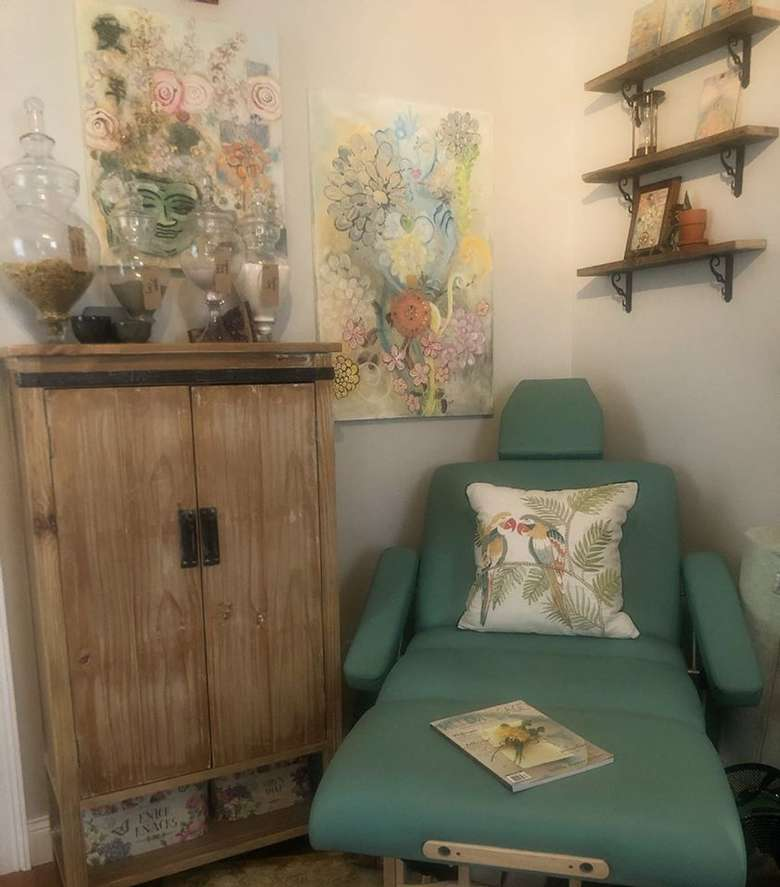 turquoise spa chair