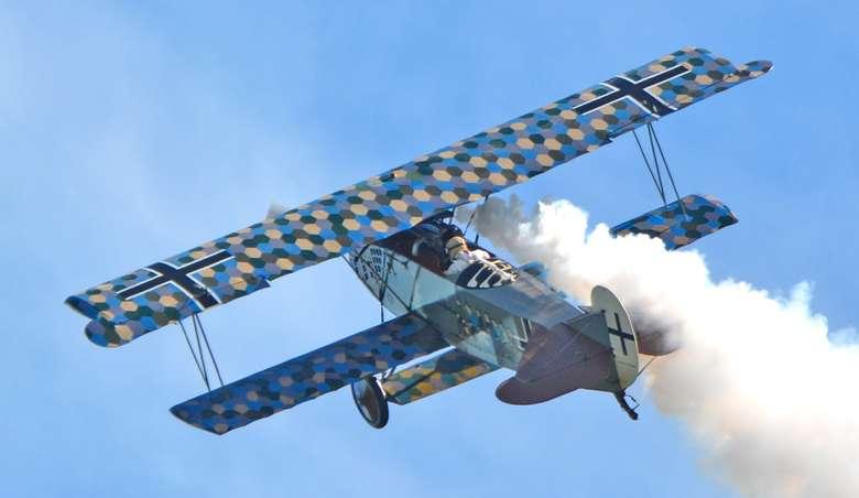 a fokker dvii airplane in flight