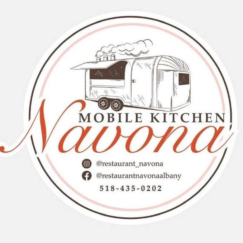 Navona's Mobile Kitchen logo