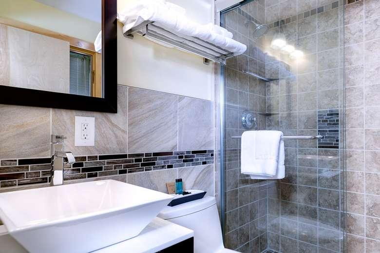 bathroom shower, sink