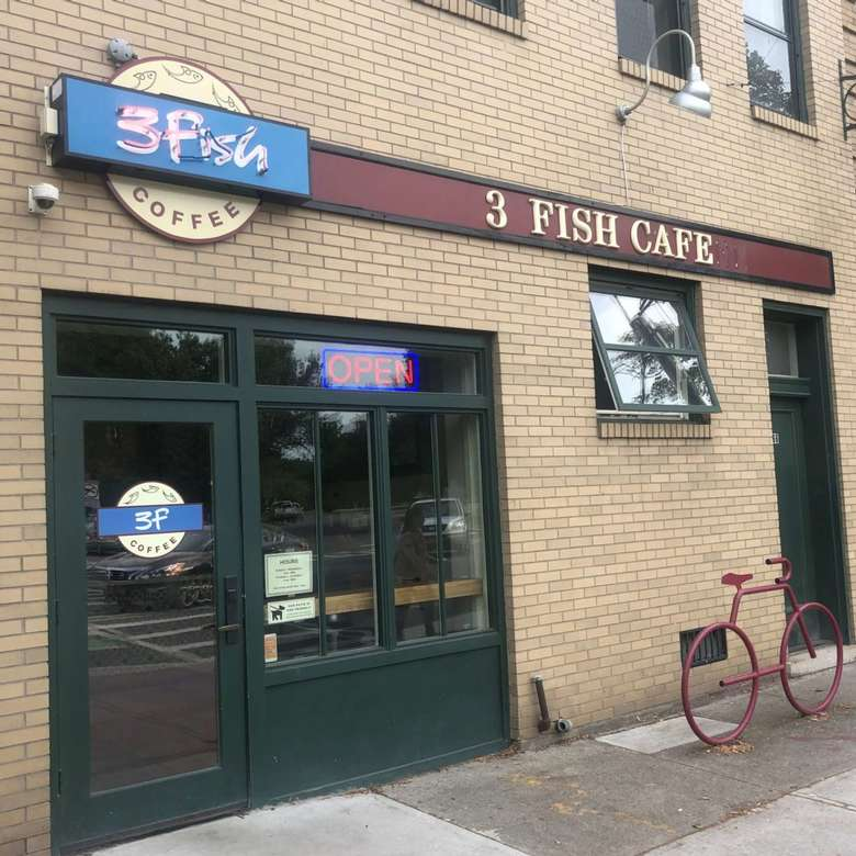 exterior of 3fish cafe