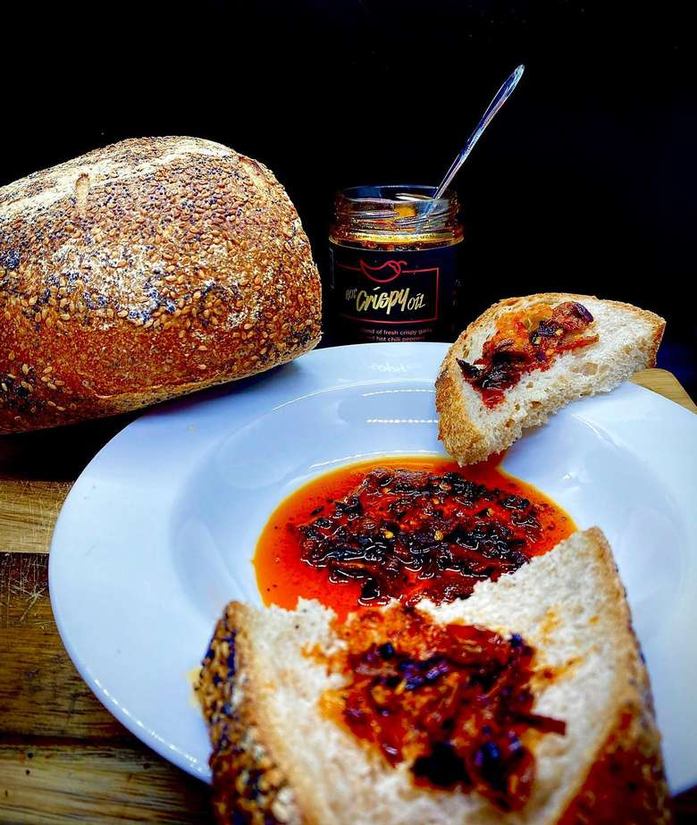 Hot Crispy Oil with bread