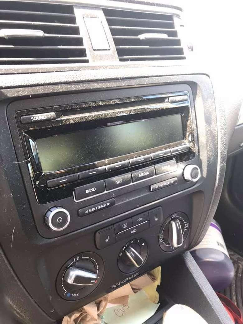 a dirty car radio