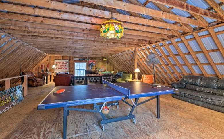barn room with games