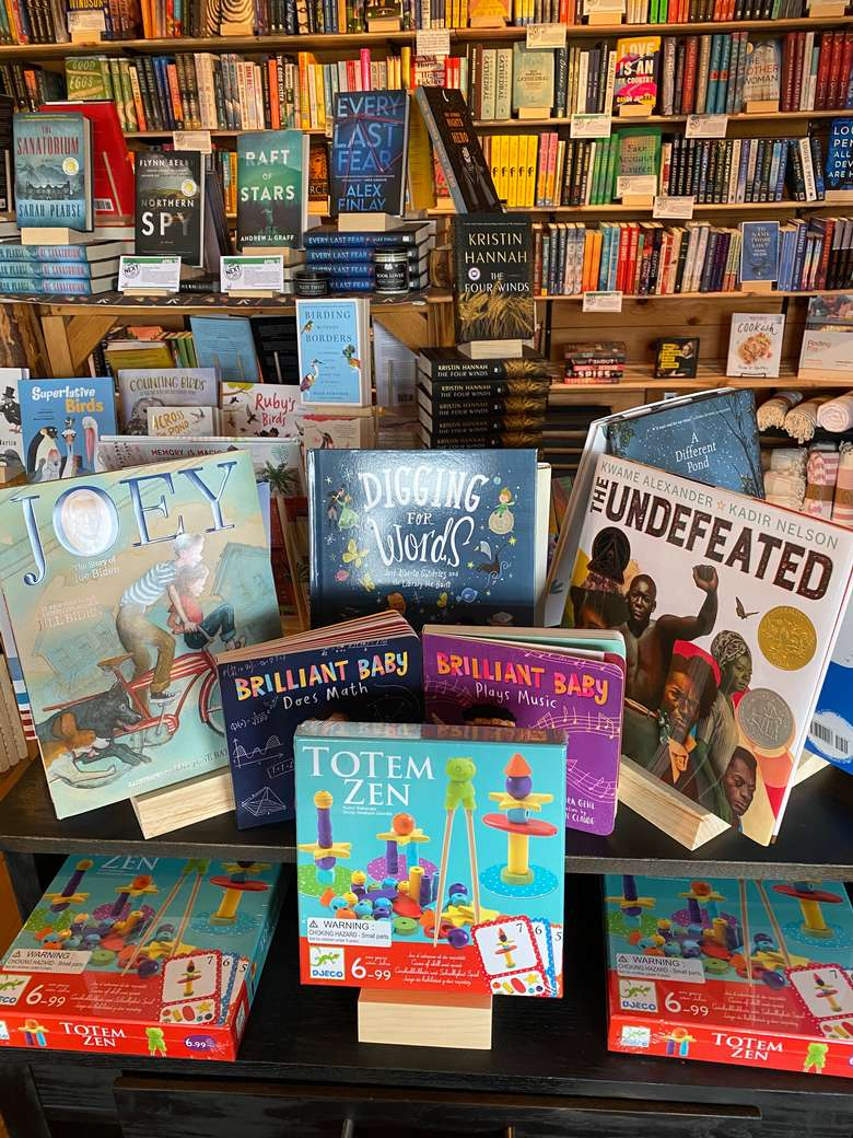 picture book display