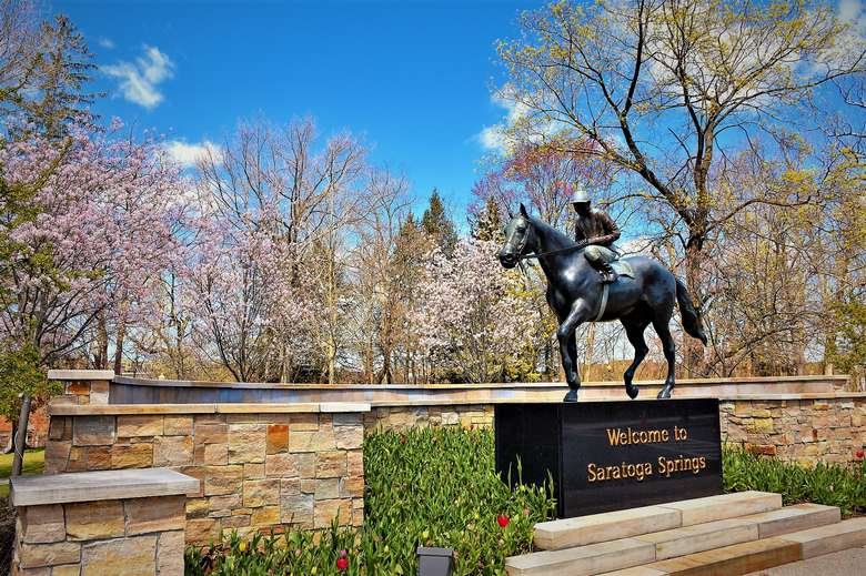 Welcome to Saratoga Spring statue