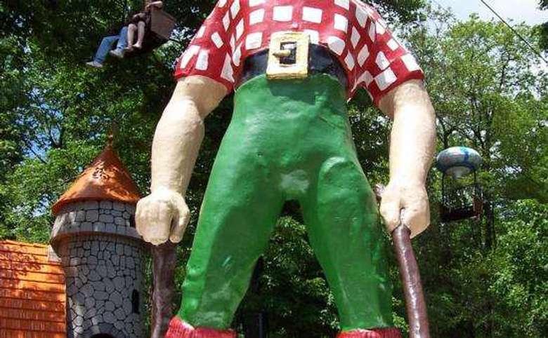 partial image of paul bunyan statue