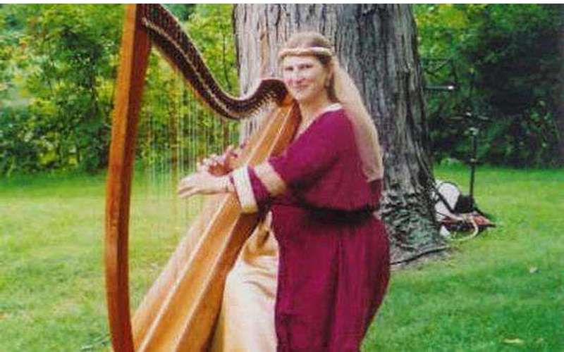 Karlinda Caldicott, Harpist - d/b/a The Living Harp (2)