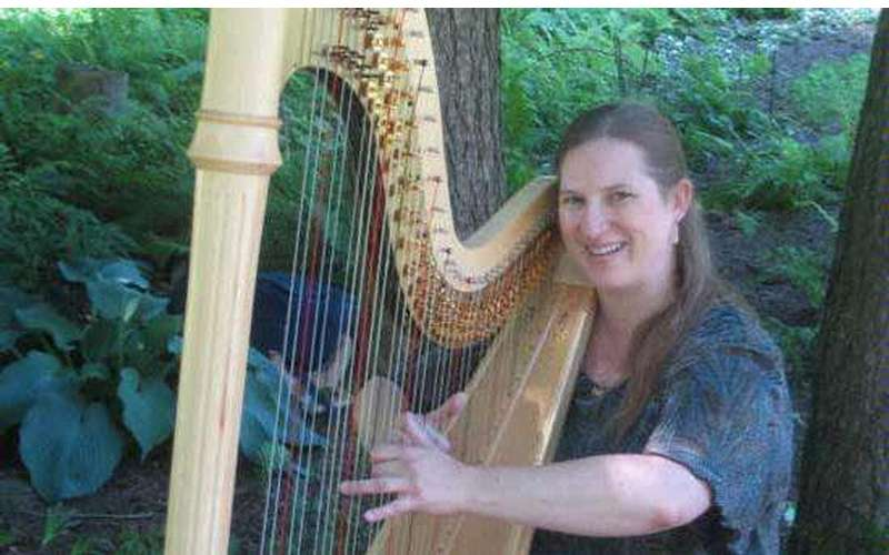 Karlinda Caldicott, Harpist - d/b/a The Living Harp (1)