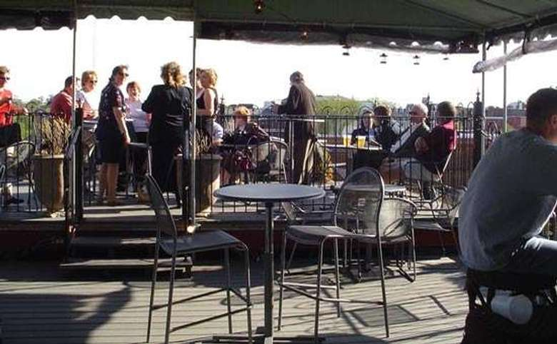 Enjoy some drinks on Saratoga's only Roof Top Bar and experience Saratoga like never before!