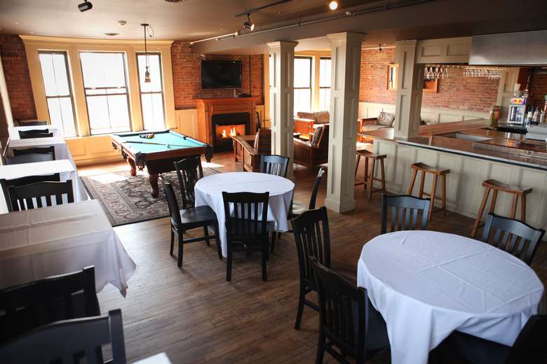 Hold your next party, gathering or event at Saratoga City Tavern!