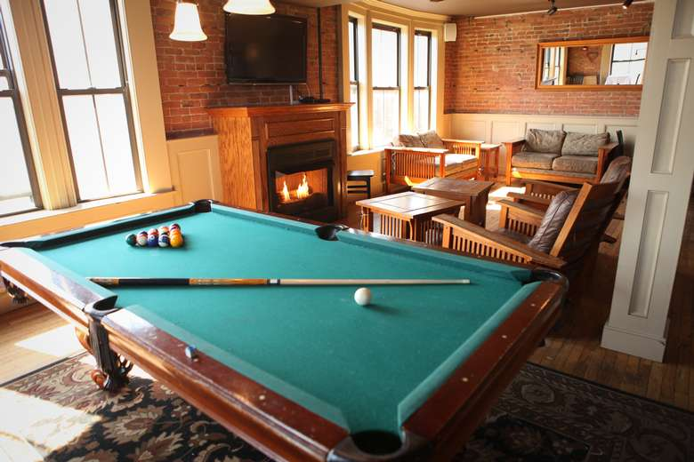 Relax with a beer & your friends and enjoy a game of pool on our complimentary pool table on the 4th Floor Apartment.