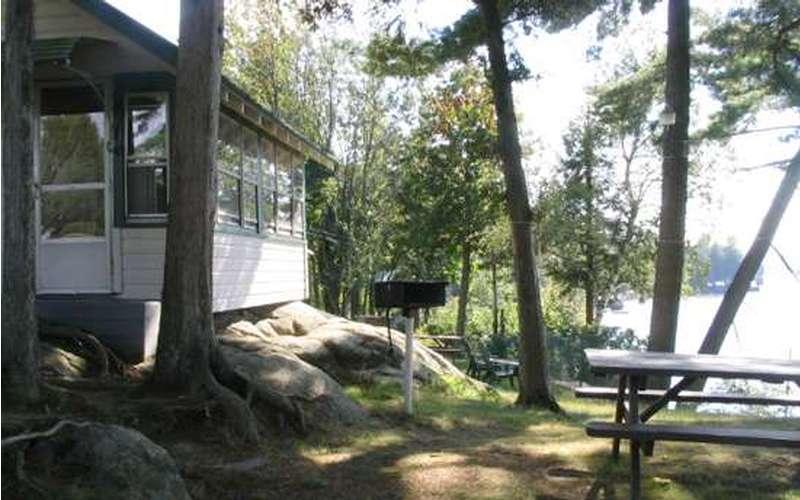 #4 Cottage enclosed porch