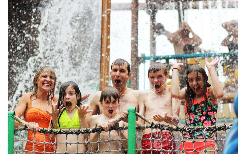 Six Flags Great Escape Lodge & Indoor Water Park (11)