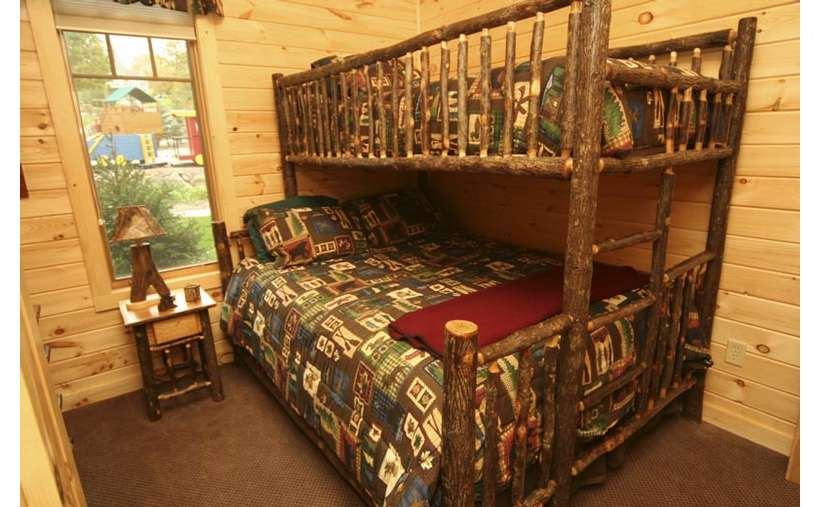 bunkbeds in bedroom
