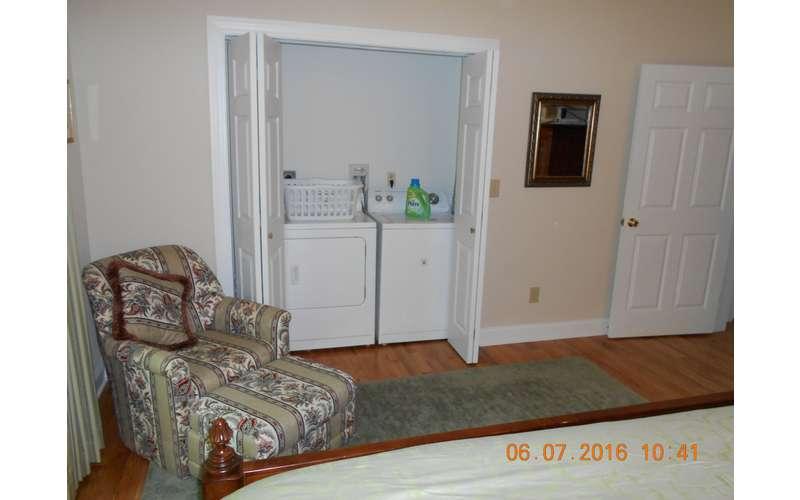 Washer/Dryer in 1st Floor Master Suite