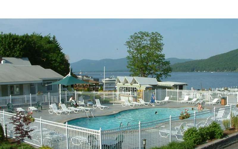 Beachfront resort with large heated pool, kid-friendly events and on-site amusement