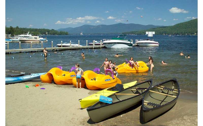 Marine Village Resort on Lake George (16)