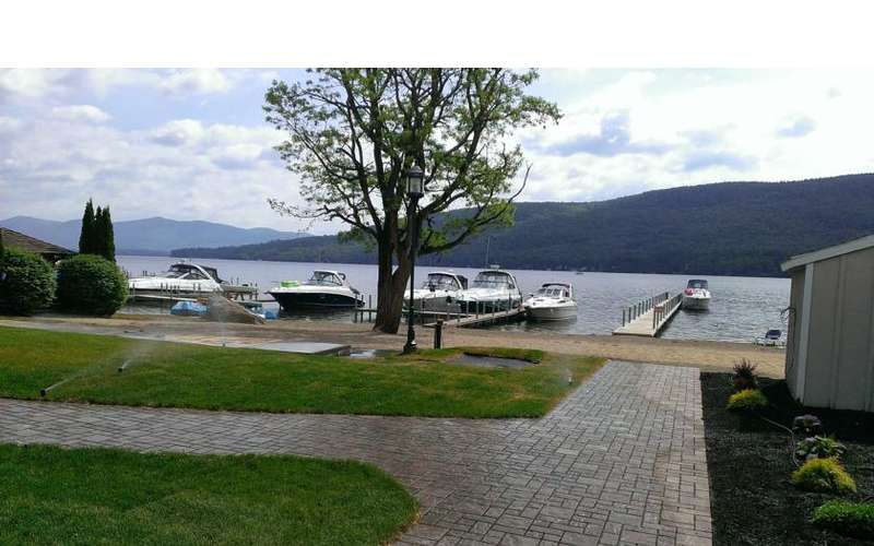 Marine Village Resort on Lake George (9)