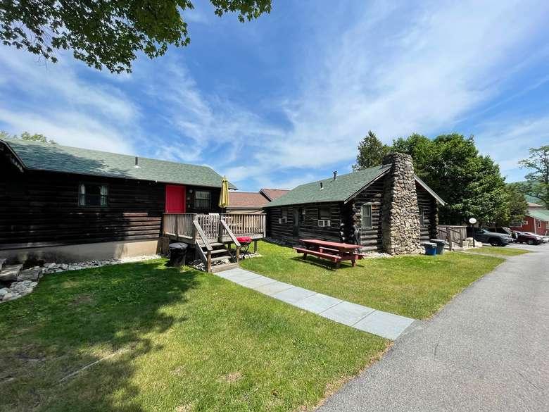 Adirondack Cabins