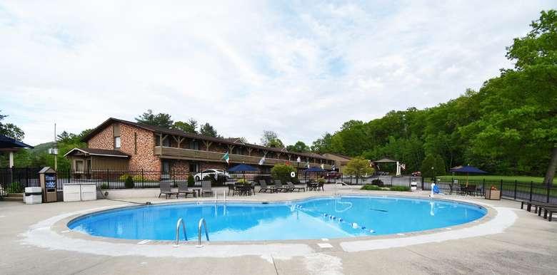 Best Western Outdoor Pool