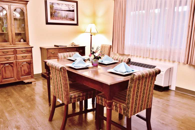 Best Western Suite Table