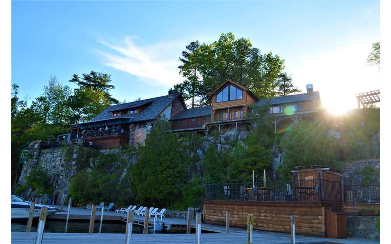 Tavern On the Lake at Blue Water Manor (3)