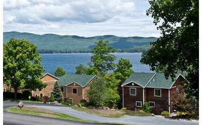 lake george cabins and cottages in the village on the water or in rh lakegeorge com