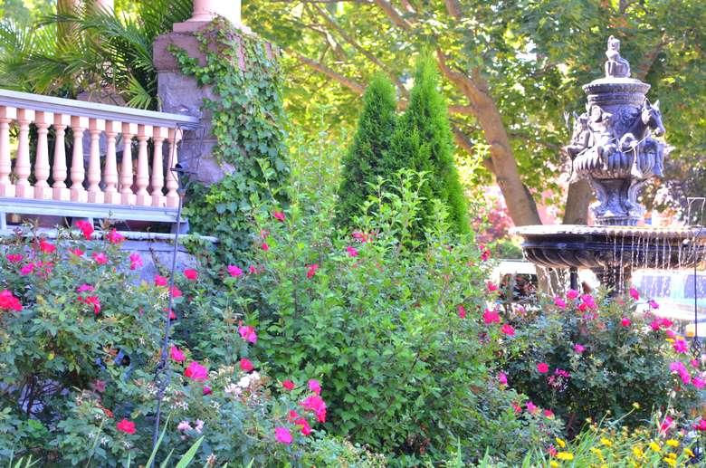 Fountains at Union Gables Saratoga Springs