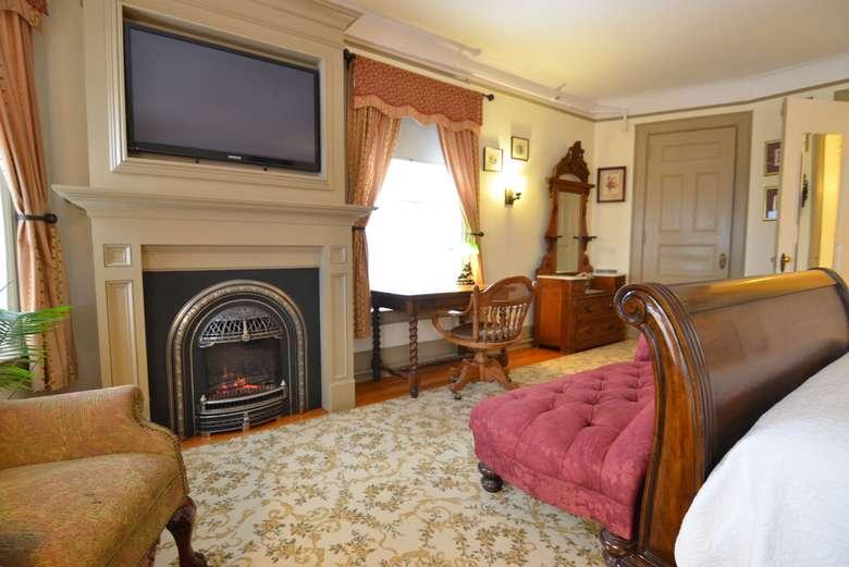 Edward room at Union Gables Hotel Saratoga Springs