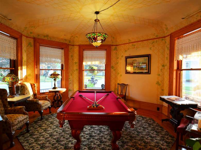 Billiards room at Union Gables Inn