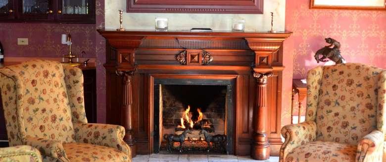 Living room at Union Gables Inn