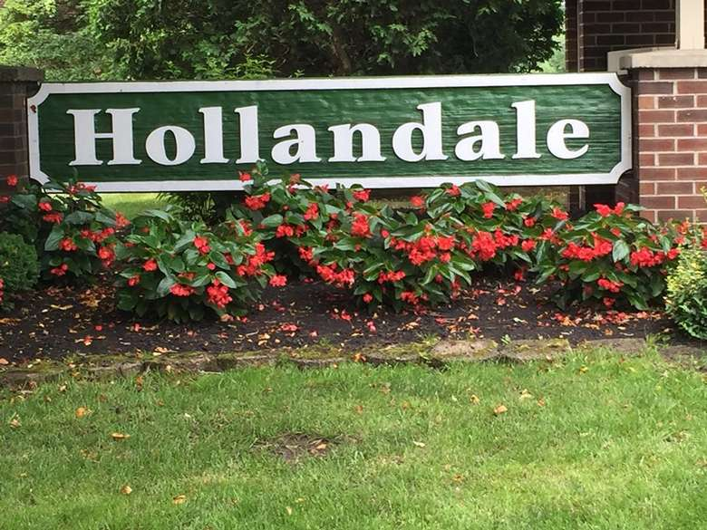 Welcome to Hollandale