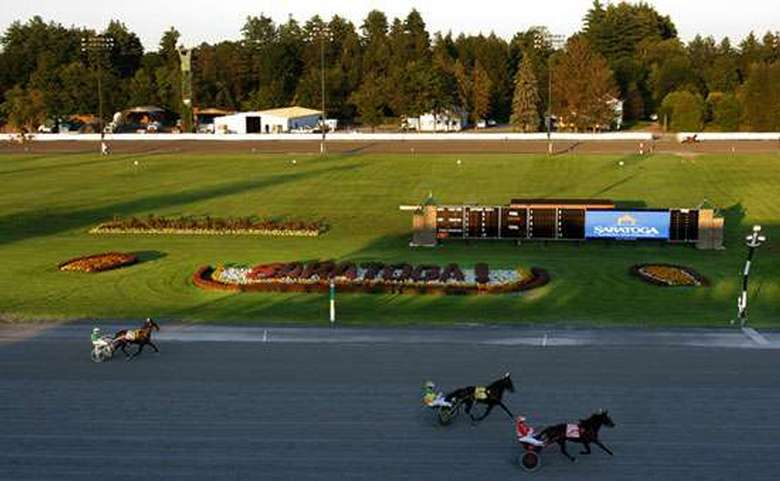 harness racing at saratoga
