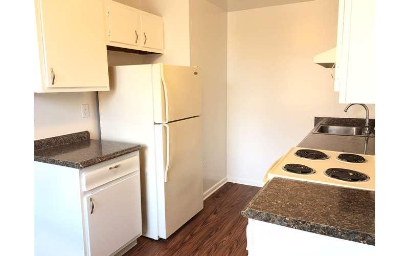 Skidmore Apartments (8)