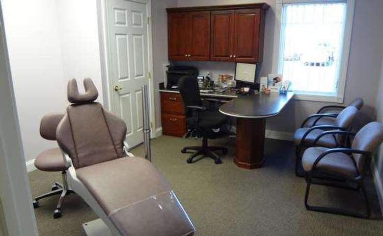 Orthodontist chair and chairs