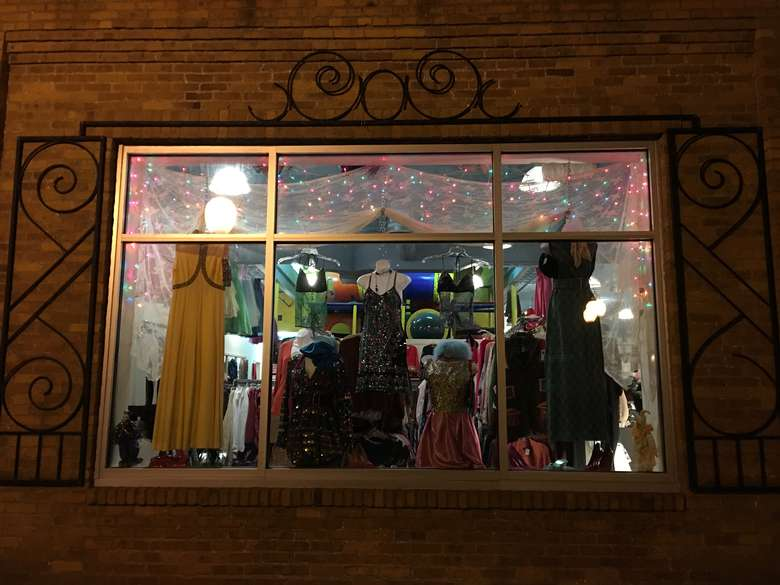Finders Keepers Consignments (2)
