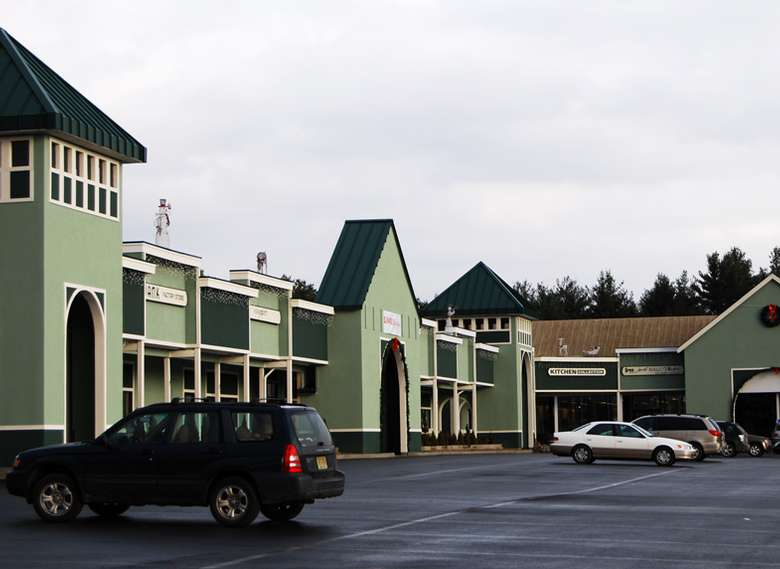 exterior of adirondack outlet mall