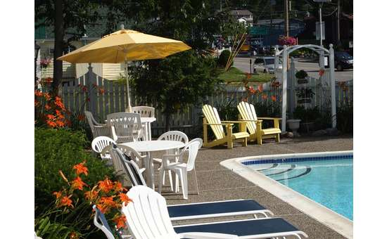 pool area and seating at the admiral motel
