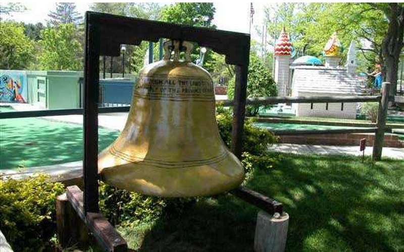 Liberty Bell replica at Around the World Golf Course