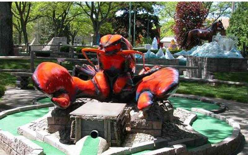 Giant Lobster statue at Around the World Golf Course