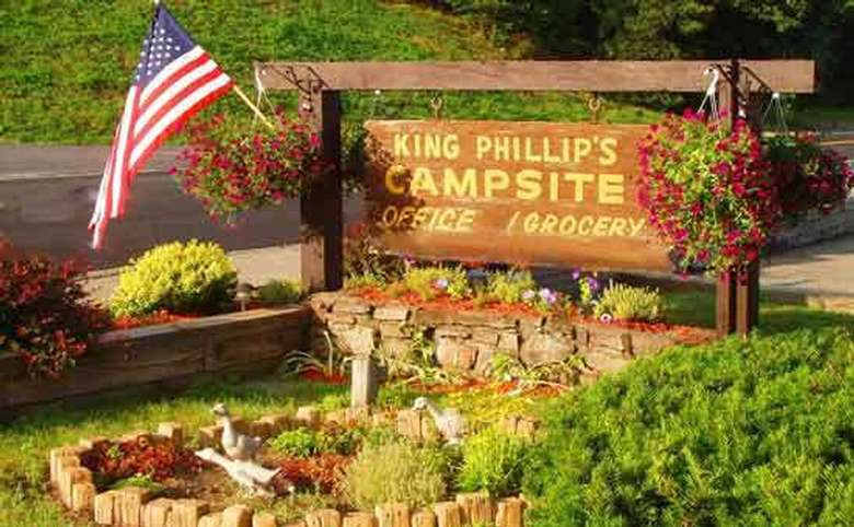the entrance sign for king phillips campground